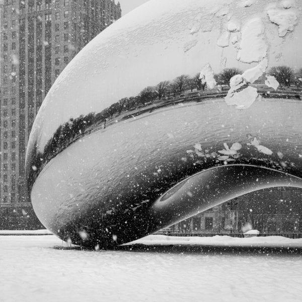the bean, millennium park, anish kapoor, architecture photography, chicago photography, chicago architecture photography, black and white photography, winter photography