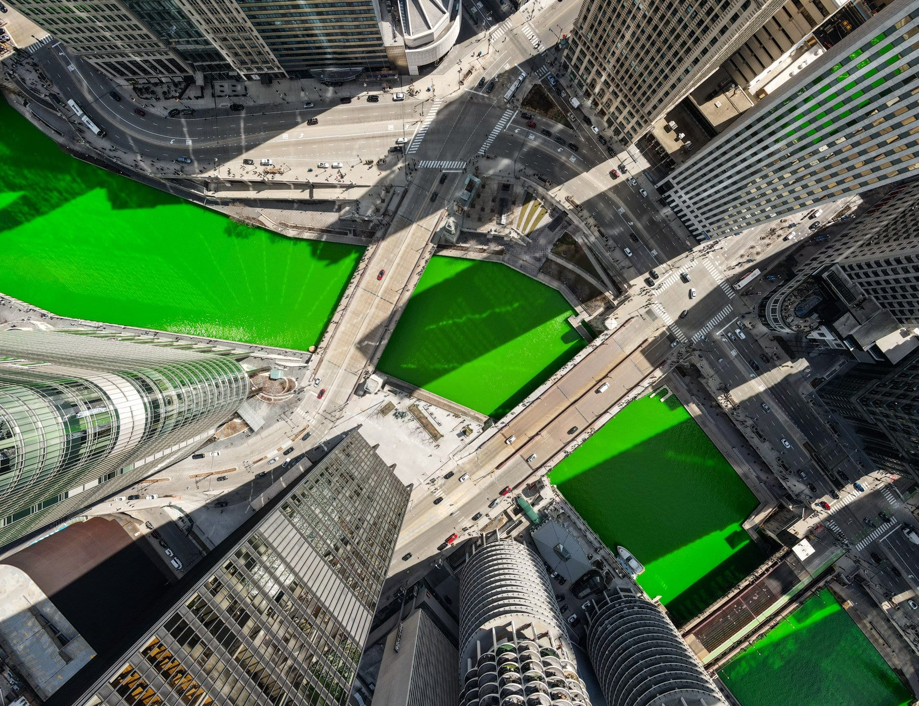 drone photography, dying of the chicago river, chicago river, st patricks day chicago, chicago skyline