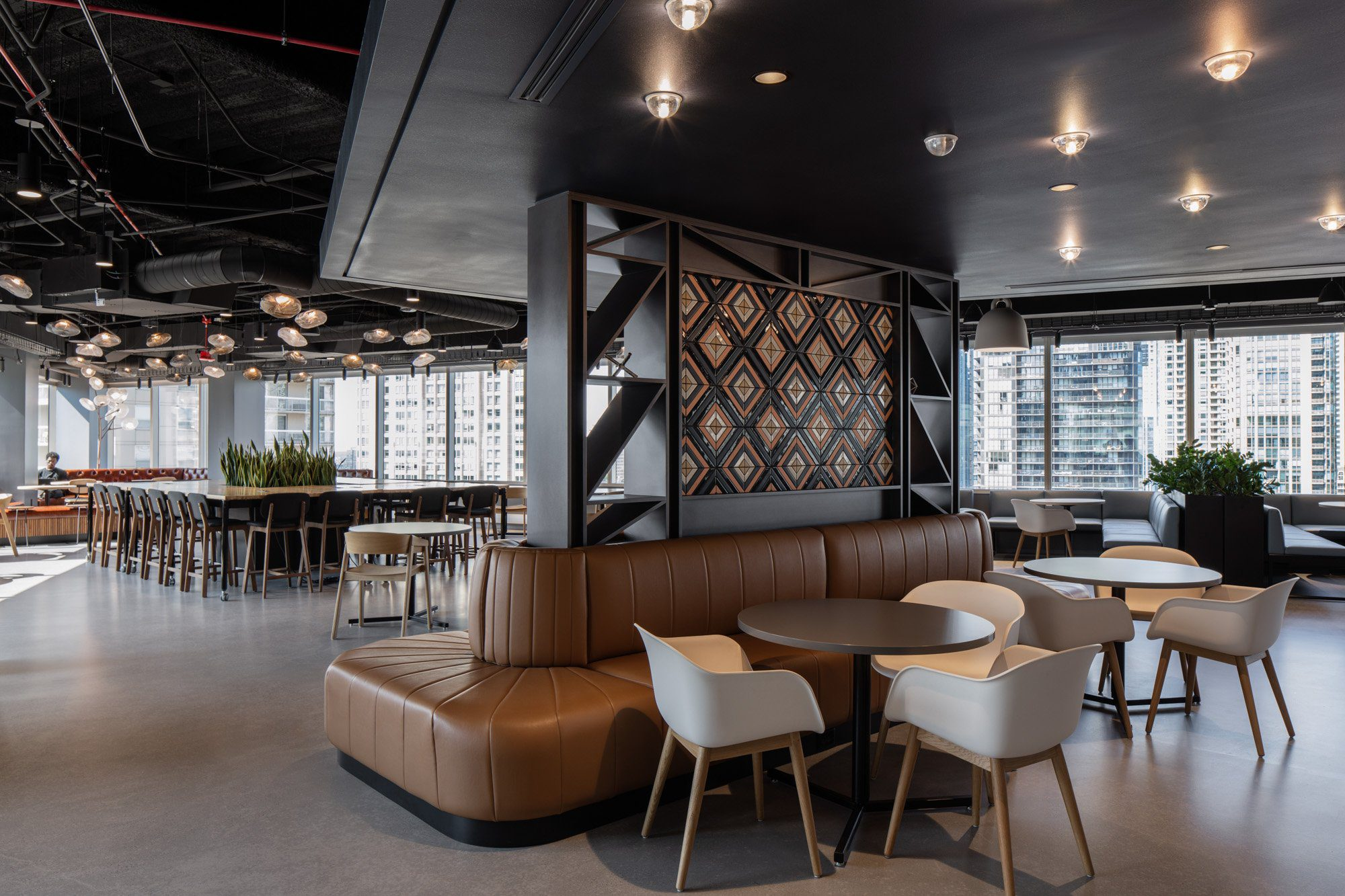dentsu chicago, studios architecture, clune construction, loop lighting, architecture photography